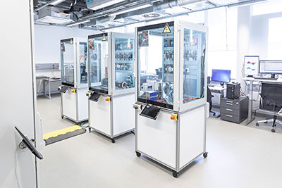 The DC Laboratory at Fraunhofer IPA tests components for converting production plants to direct current.